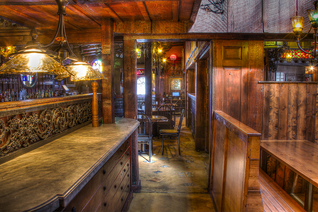 Bar lounge area patio restraunt indian river 39 s for Atlanta fish house and grill